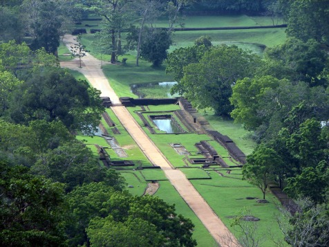 Sigiriya-gardens-3