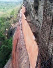 Sigiriya-mirror-wall-2