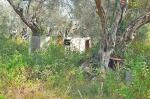 Valdanos-camping-abandoned-caravan