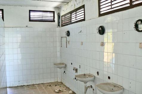 Valdanos-camping-toilets-5
